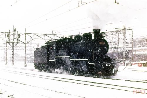18688