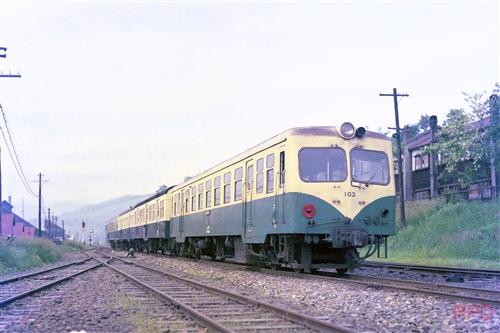 三井芦別鉄道キハ103